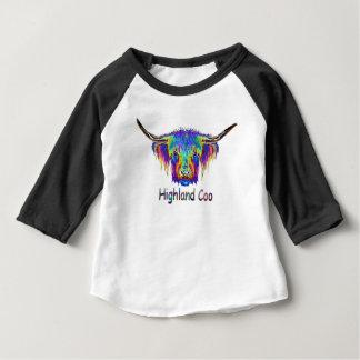En härlig färgglad ko, Coo. T Shirt