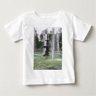 En härlig fontän i Alamedaen Mexico DF 2 T Shirt