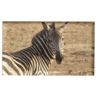 En härlig vildsebra på savannahen bordskorthållare