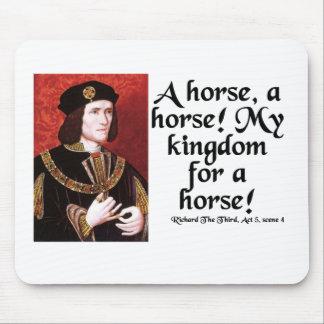 """""""En häst, en häst!  Mitt kungarike för en häst! """", Musmatta"""