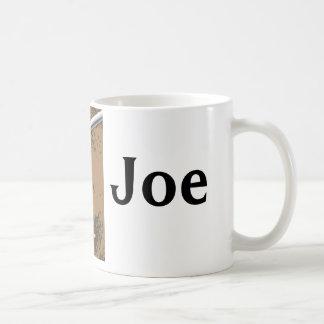 En hettkopp av…, Joe Kaffemugg
