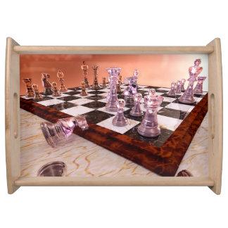 En lek av schacket serveringsbricka