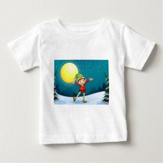 En male älva t-shirts