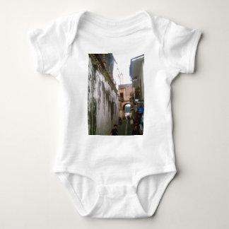 En nedanför Taxco för smal gata domkyrka Tee Shirt