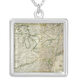 En nordlig exakt karta av Nordamerika delar upp Halsband Med Fyrkantigt Hängsmycke