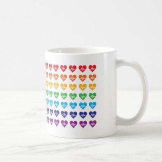 En Orlando en pulserar hjärtor för regnbåge 49 Kaffemugg