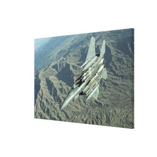 En örn för strejka för US-flygvapen F-15E Canvastryck