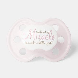 """""""En sådan stor för mirakel sådan liten flicka in! Napp"""