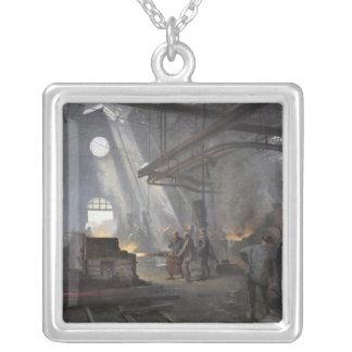 En smedja, 1893 silverpläterat halsband