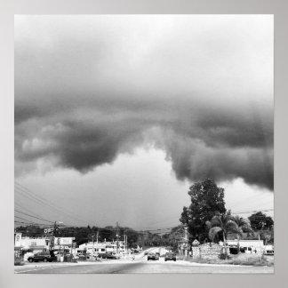 En storm är kommande poster