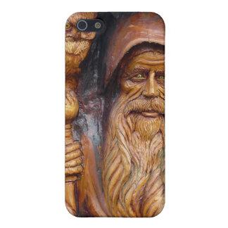 En trollkarl och en uggla dyker upp från Cavern iPhone 5 Skydd