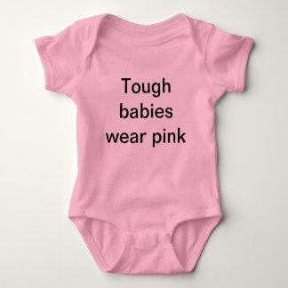 En tuff bebis t shirt