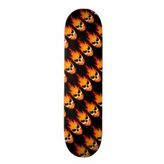 Engulfed döskalle skateboard