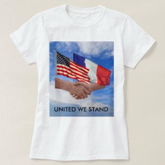 Enigt står vi USA & frankrikekvinna grundläggande Tröjor
