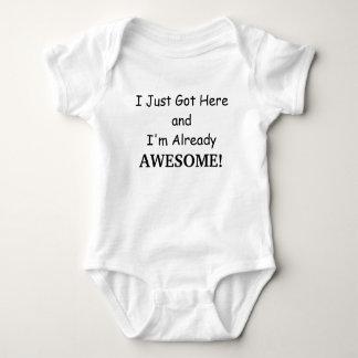 Enorm babyskjorta tröjor