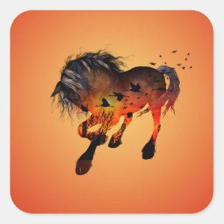 Enorm häst fyrkantigt klistermärke