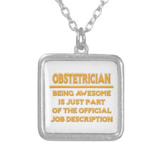 Enorm Obstetrician. Jobbbeskrivning Halsband Med Fyrkantigt Hängsmycke
