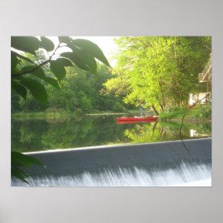 Ensam röd kanotaffisch