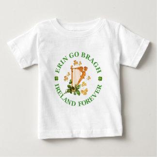 Erin går Bragh - den Irland för evigt T-shirt