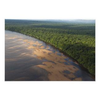 Essequibo flod, längst flod i Guyana och 2 Fotontryck