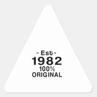 Est. 1982 triangelformat klistermärke