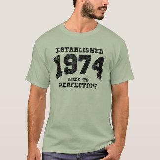 Etablerade 1974 som åldras till perfektion tee shirts