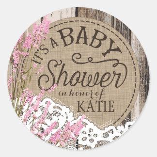 Etikett för baby shower för Wood rosa Runt Klistermärke