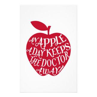Ett äpple om dagen håller doktorn away brevpapper