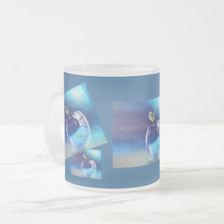 Ett exponeringsglas av drinken frostad glasmugg