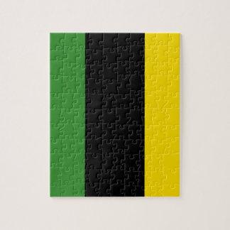 Ett pråligt rusar av jamaikanska färger pussel