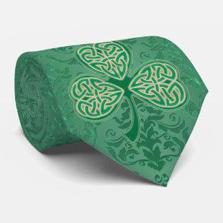 Ett riktiga Sts Patrick Shamrocks för grönt för Slips