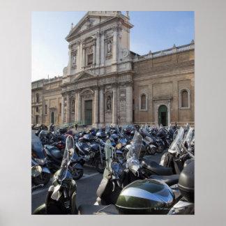 ett stort nummer av motoriska sparkcyklar poster