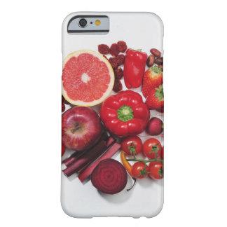 Ett val av röda frukter & vegetables. barely there iPhone 6 skal