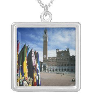Europa italien, Tuscany, Siena. Piazzadel Silverpläterat Halsband