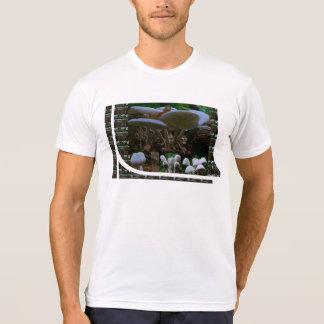 Exotisk Show för knopp för VILDvitchampinjon: Tee Shirt