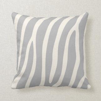 Exotisk zebra ränder i ljust - grå färg kudde