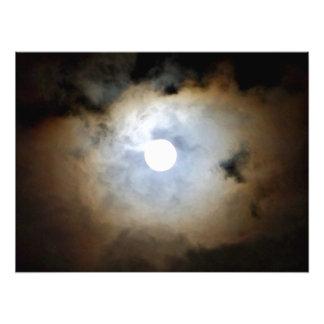 Extraknäcka i Philly, naturs moln och ljus Konstfoto
