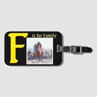 F för familj bagagebricka