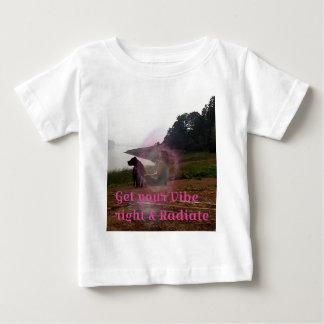 Få din vibe höger tee shirts