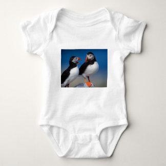 fågel en para av puffins t-shirt