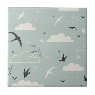 Fågel i himmlen kakelplatta