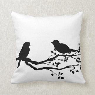 Fåglar på grenReversibledekorativ kudde