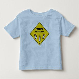 Fallande pingvinT-tröja T-shirts
