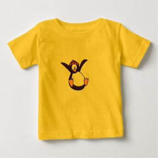 Fallande pingvinT-tröja T Shirts