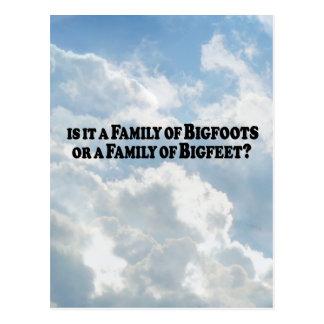 Familj av Bigfoots eller familj av grundläggande Vykort