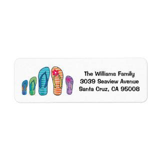 Familj för bassäng för flinflip flopssommarstrand returadress etikett