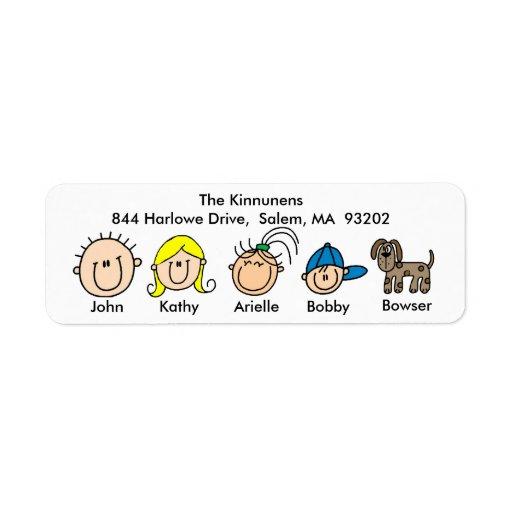 Familj med hundadressetiketter returadress etikett