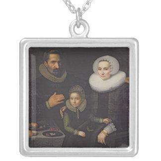 Familjporträtt Silverpläterat Halsband