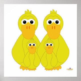 Fånig gult duckar och två babyar affisch