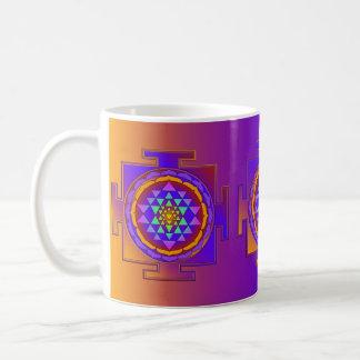 Färgad fullt för SRI YANTRA + dina idéer Kaffemugg
